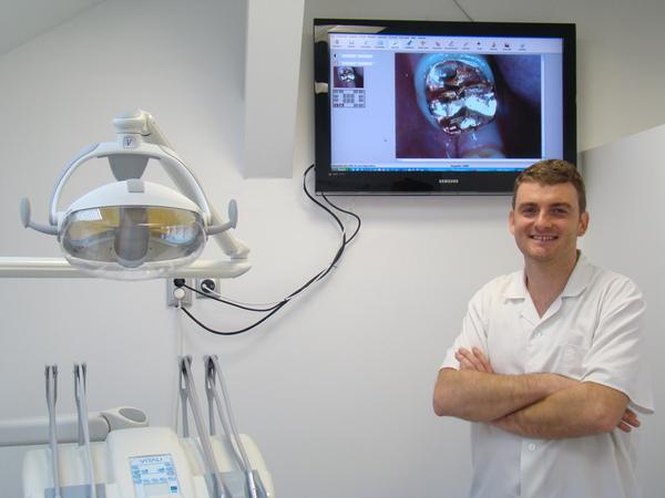 A KrúdyHáz Fogászati Centrum Nyíregyháza és orvosa, Dr. Szalontai György